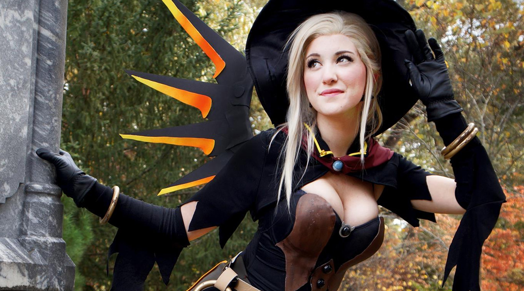 GR Pick: Overwatch Cosplayer Dresses as Halloween Mercy